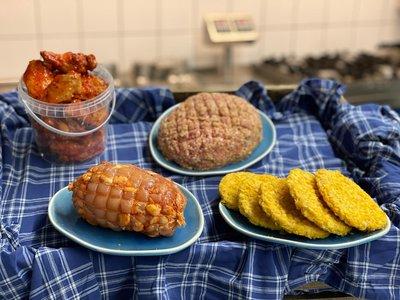 WEEKPAKKET - 5 Burgers / 1 Kiprollade / 1 kg Kipgehakt / Bucket Chicken Wings